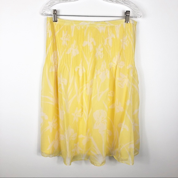 Tommy Hilfiger Dresses & Skirts - Tommy Hilfiger Pin Tuck Pleated Floral Skirt Sz 6